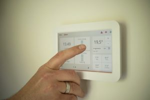 smart thermostat with touchscreen interface